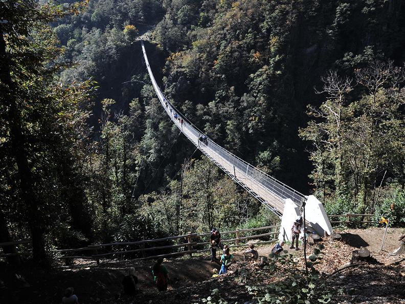 Image 4 - Tibetische Brücke