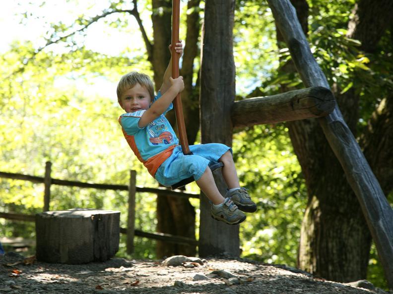 Image 0 - Playground Calonico