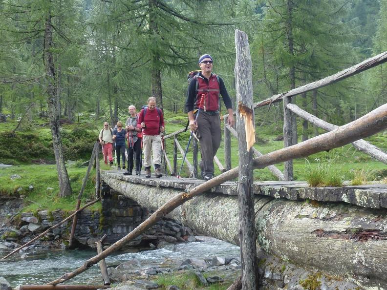 Image 4 - Trekking dei Fiori through the Park