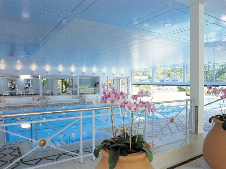 Image 3 - Luxury Hotels