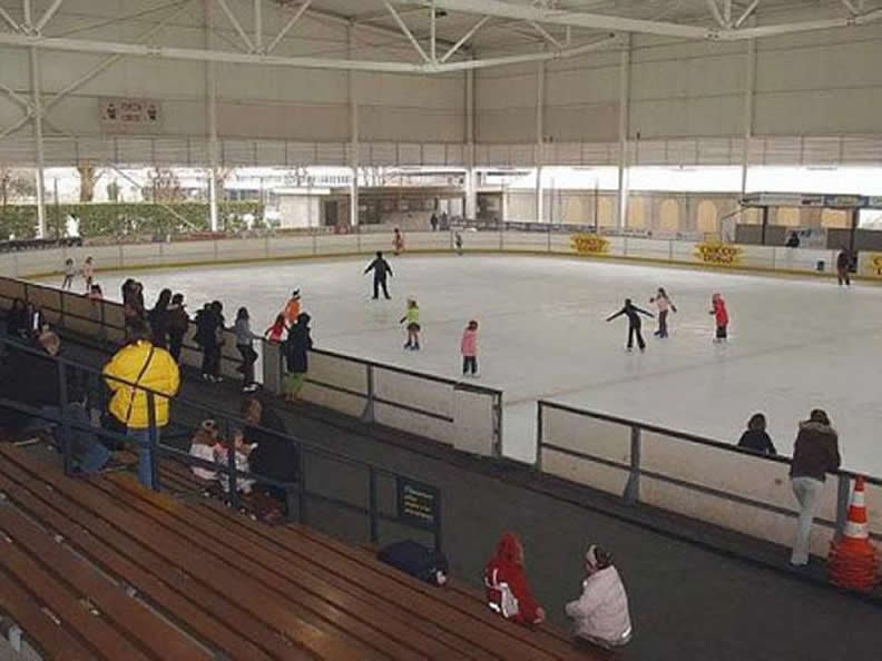 Image 0 - Patinoire