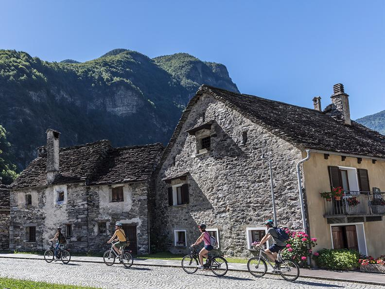 Image 0 - Cycling holidays: centre tour Lago Maggiore