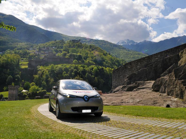 Image 0 - Electric car - where you can recharge and park?