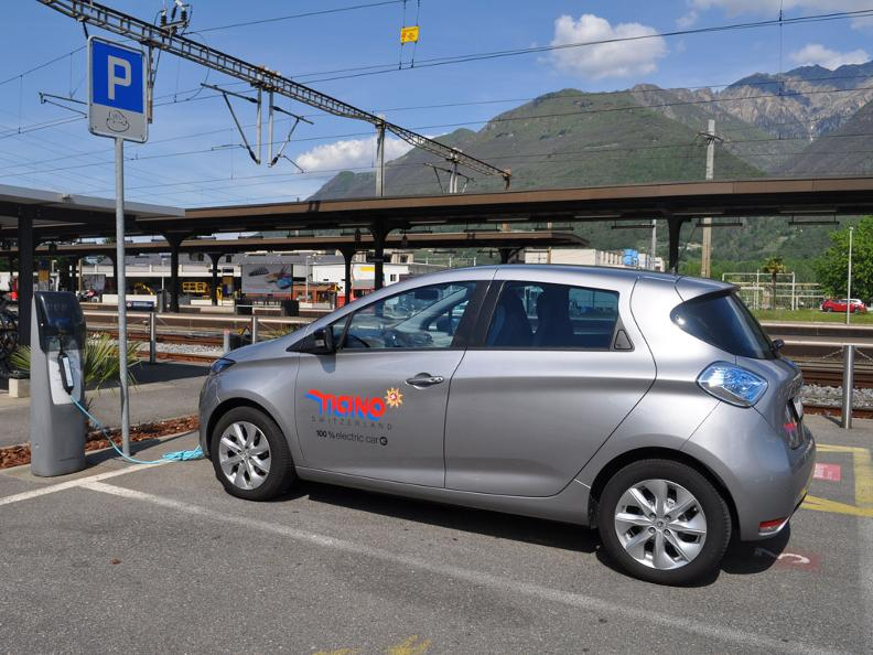 Image 3 - Electric car - where you can recharge and park?