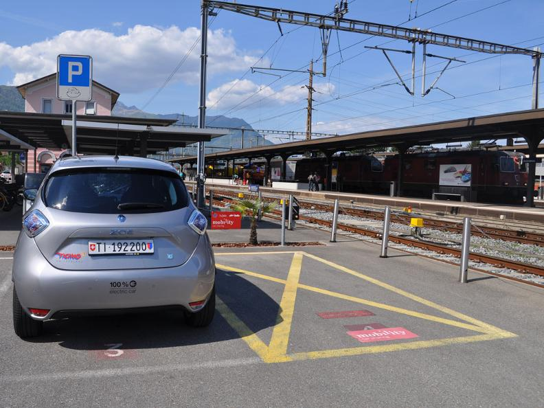 Image 4 - Electric car - where you can recharge and park?