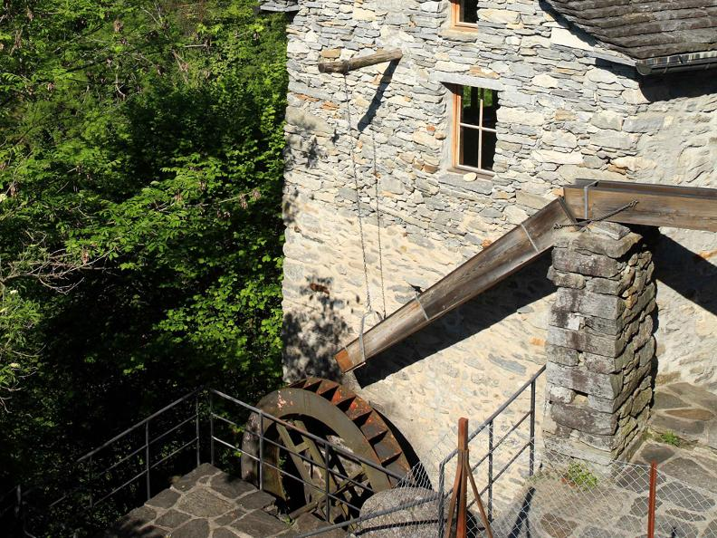 Image 0 - Tour of the mill of Loco