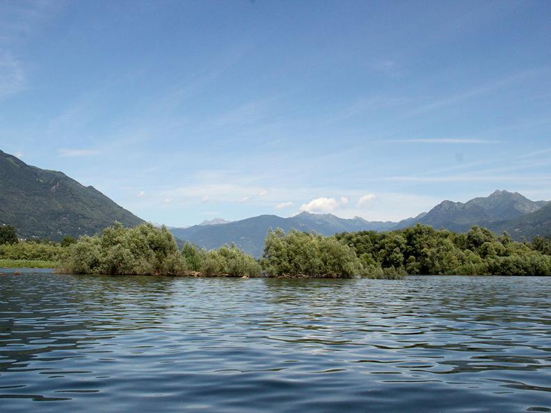 Image 2 - Excursion en bateau des Bolle di Magadino