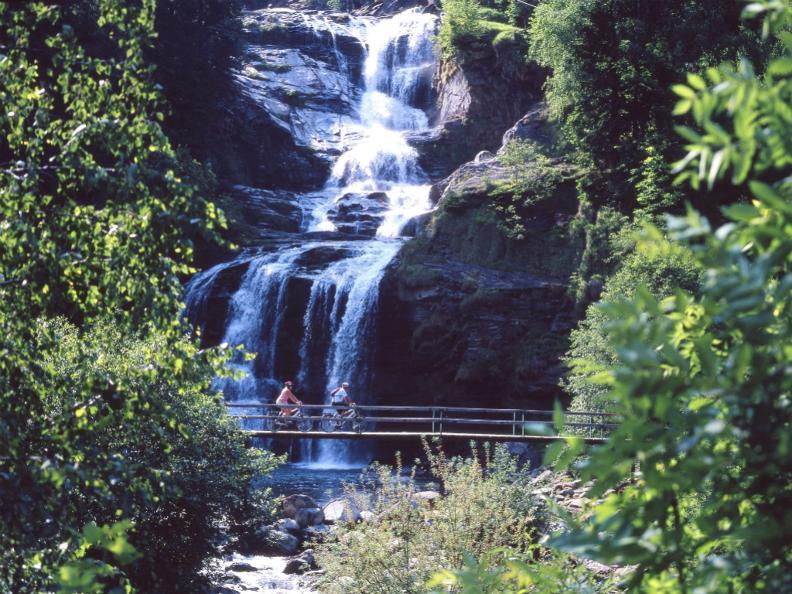 Image 2 - The waterfall of Piumogna