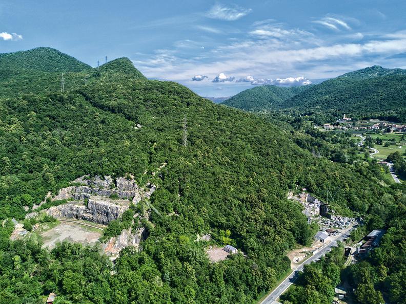 Image 4 - Arzo quarries