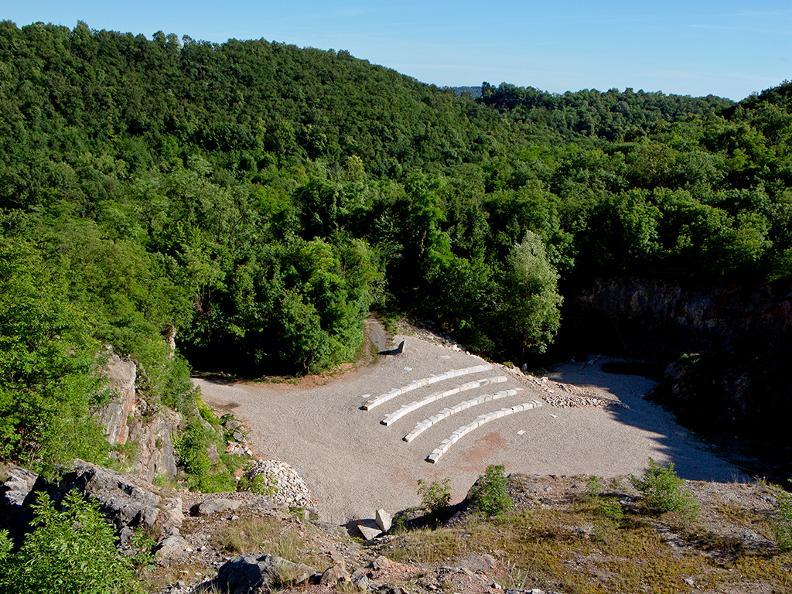 Image 8 - Arzo quarries
