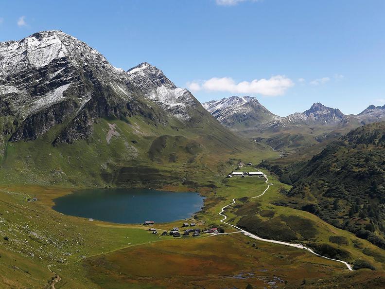 Image 4 - Lake Cadagno
