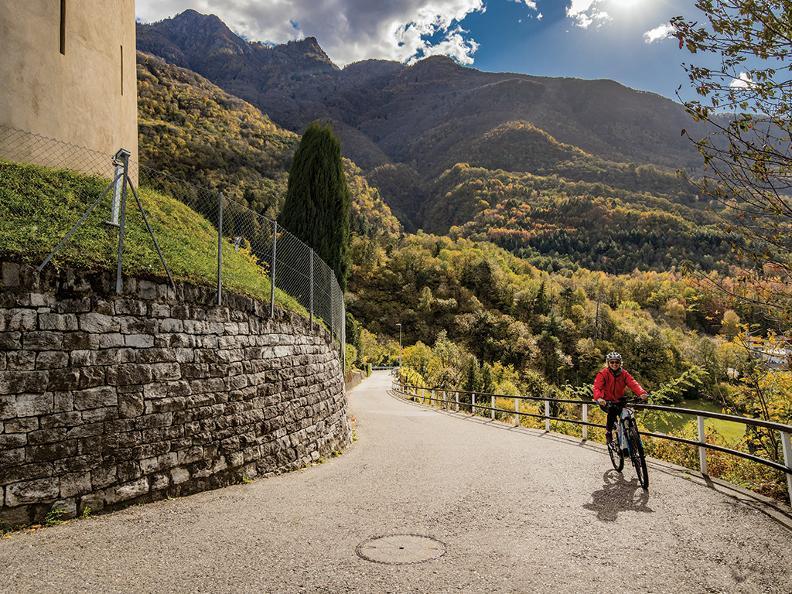 Image 3 - e-MTB rental in Ticino
