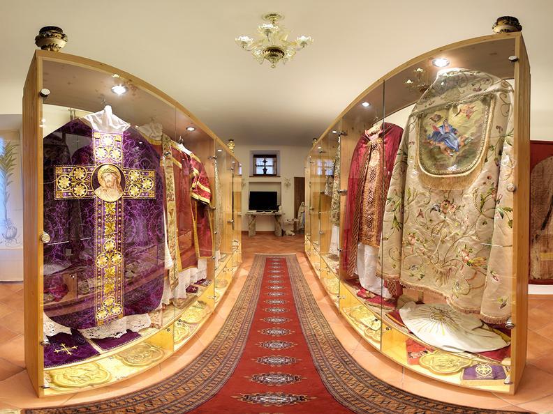 Image 3 - Museum of religious art
