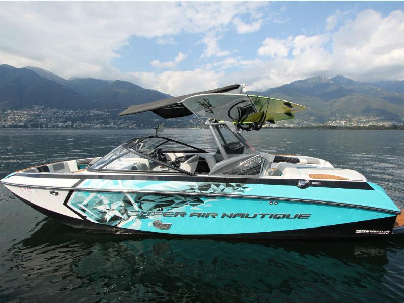 Image 3 - Santomauro Boats Charter