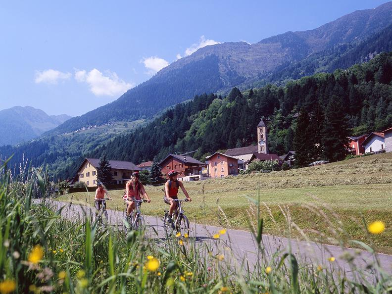 Image 2 - Cycling holidays: North-South-Route, Basel - Chiasso
