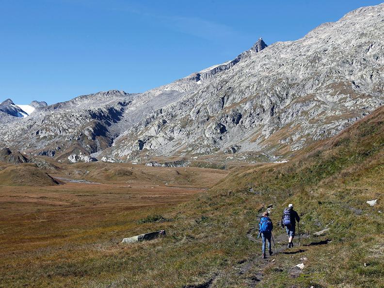 Image 2 - Hiking holidays: Chur - Olivone