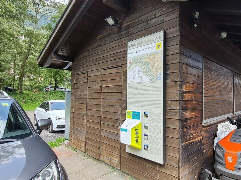 Image 0 - E-bike charging point Laghetti Audan