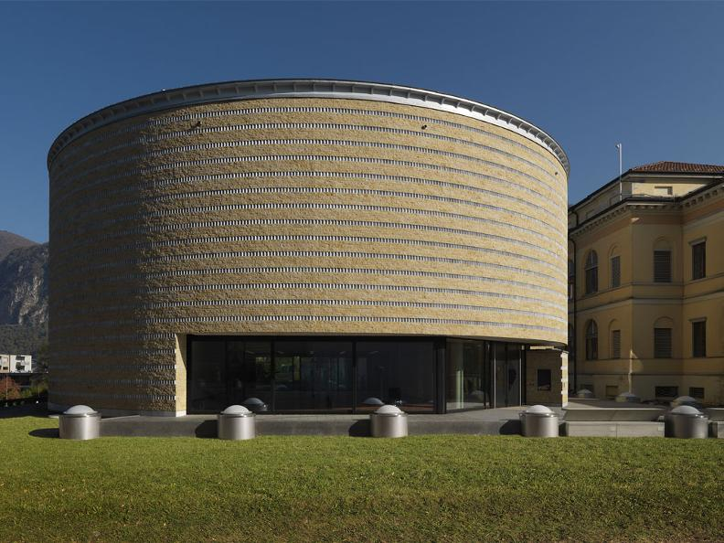 Image 0 - Theatre of architecture