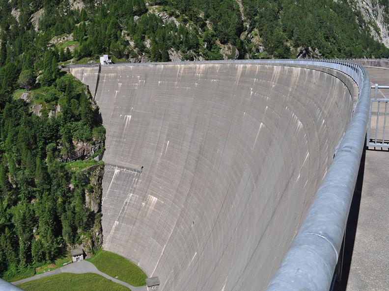 Image 6 - Arrampicata sulla diga del Sambuco