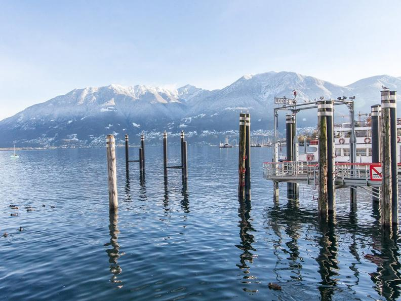 Image 0 - Winter hike along the lake from Tenero to Ascona