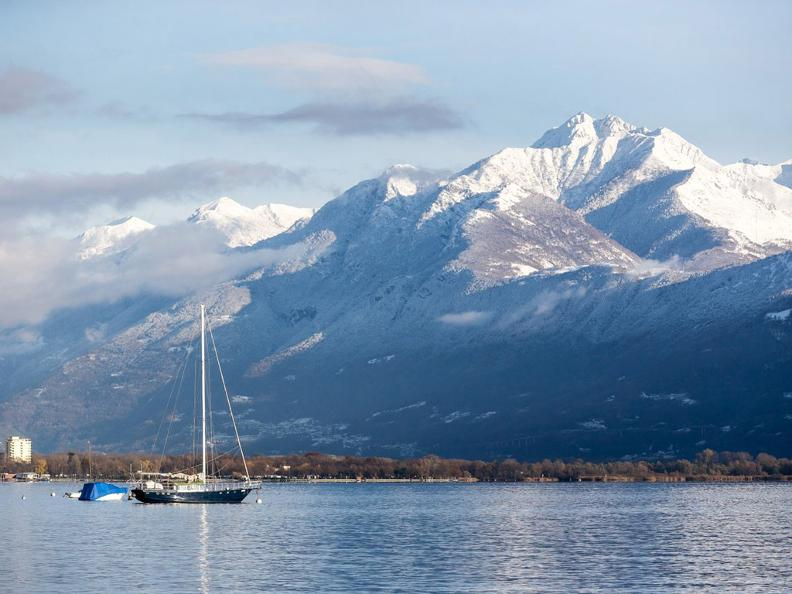 Image 1 - Winter hike along the lake from Tenero to Ascona