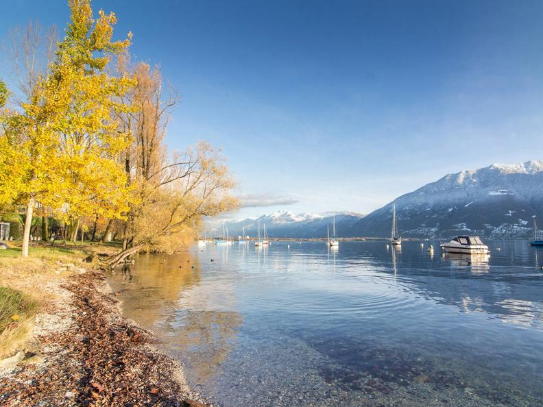 Image 3 - Winter hike along the lake from Tenero to Ascona