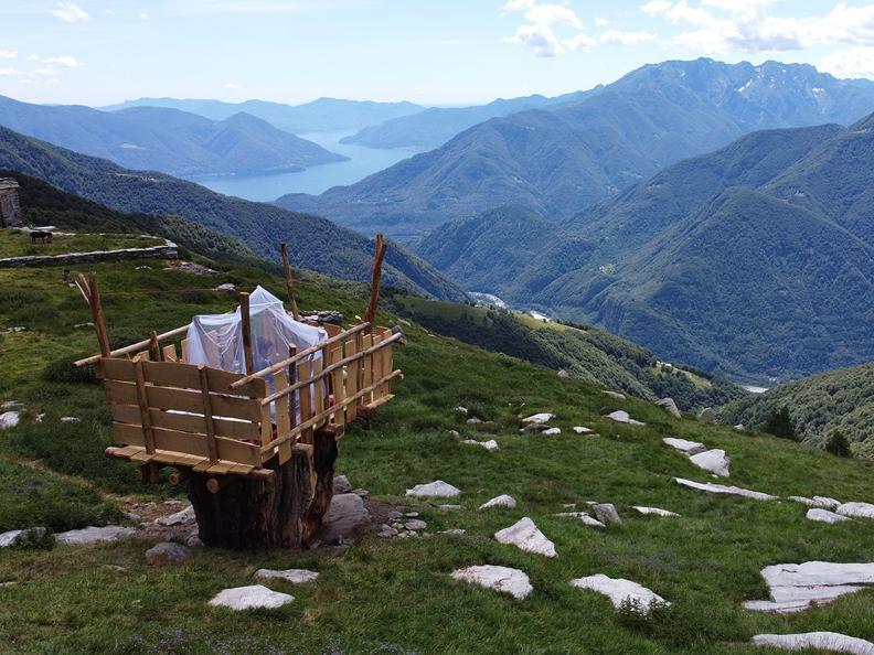 Image 0 - Alpe Nimi : une suite sous les étoiles