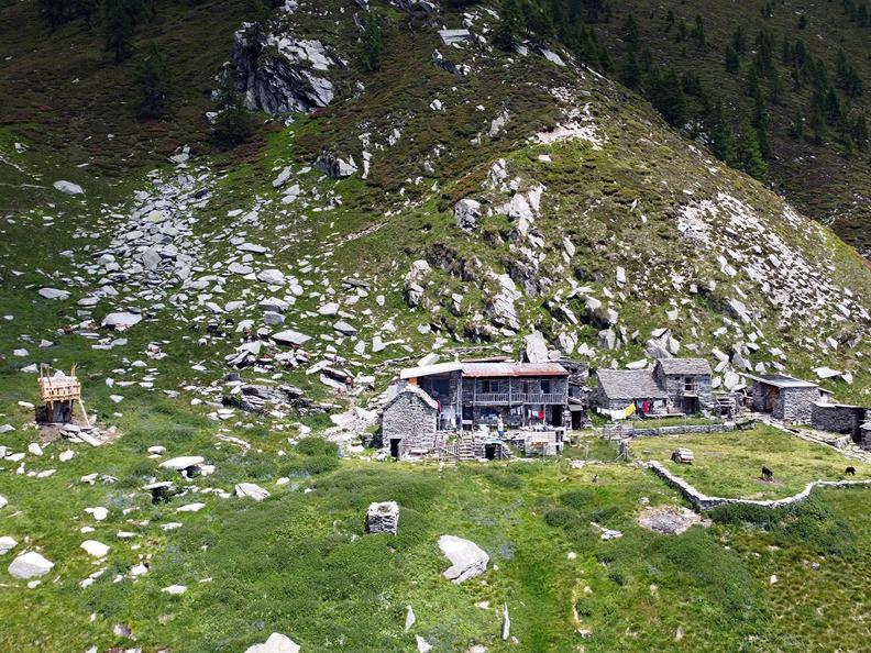 Image 1 - Alpe Nimi : une suite sous les étoiles