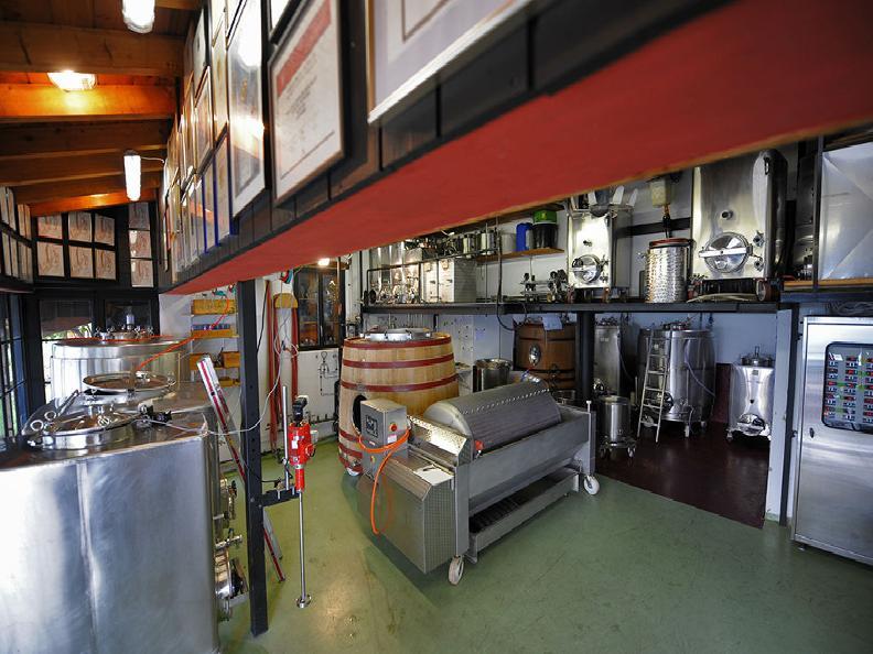 Image 3 - Wine cellar Monti