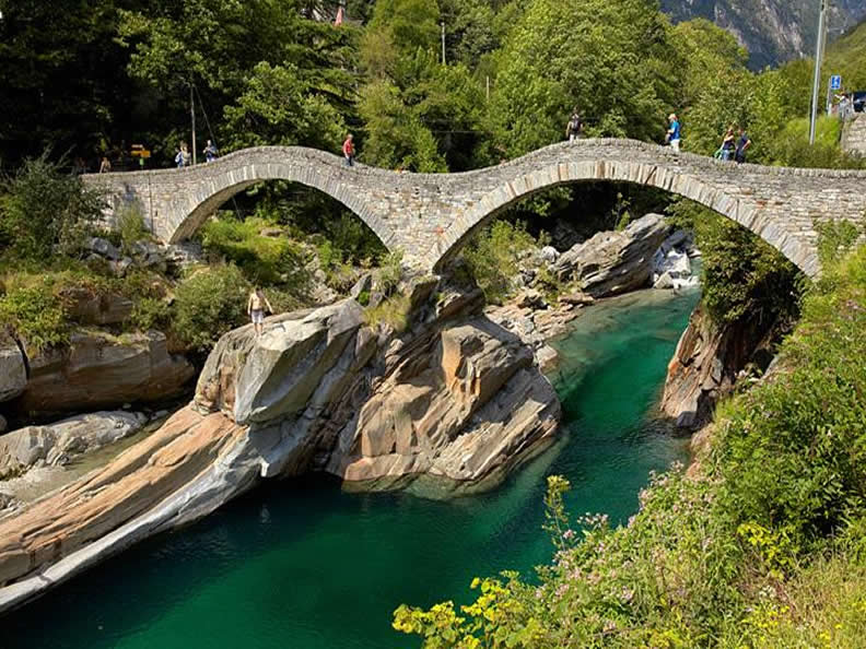 Image 5 - The romanic bridge