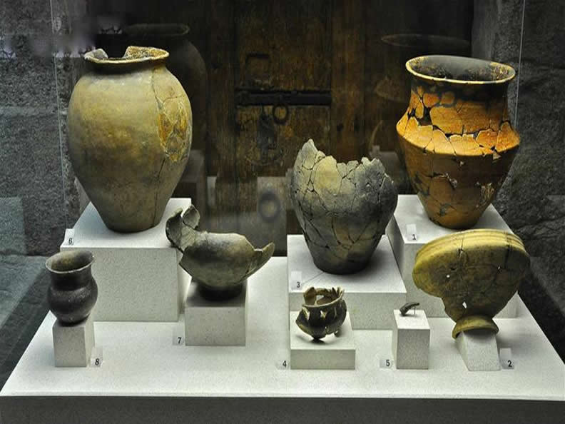 Image 2 - Archaeological and civic museum