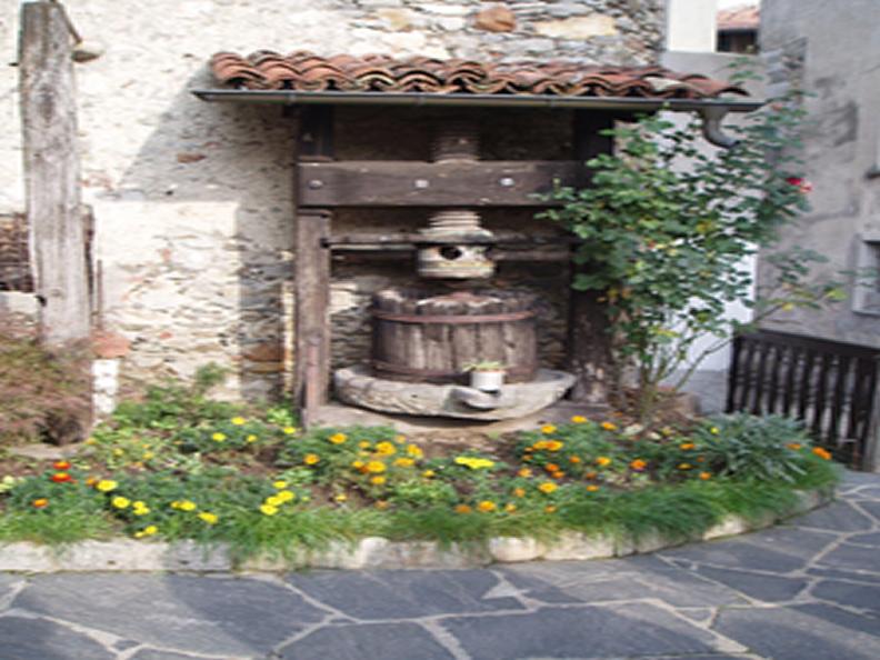 Image 0 - Kleines Museum von Sessa e Monteggio