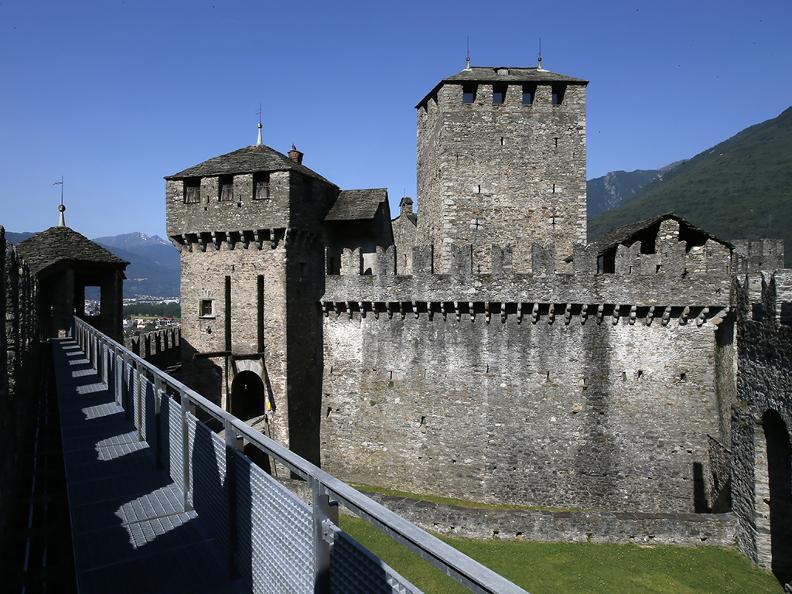 Image 2 - The Castle of Montebello