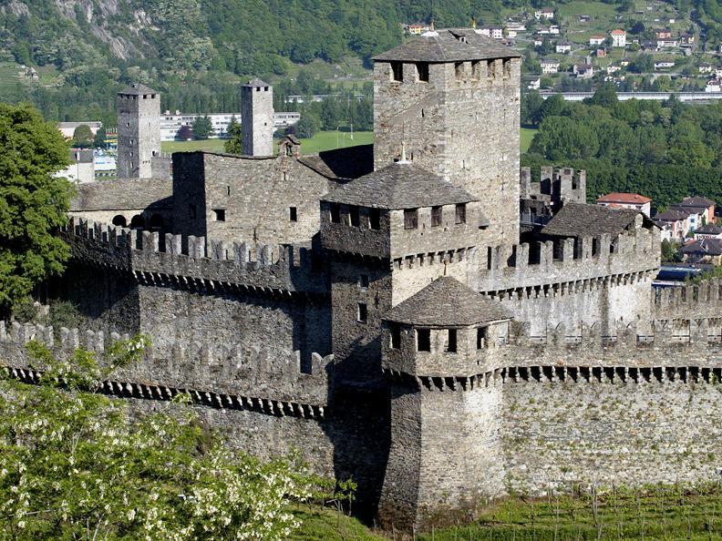 Image 3 - Burg Montebello