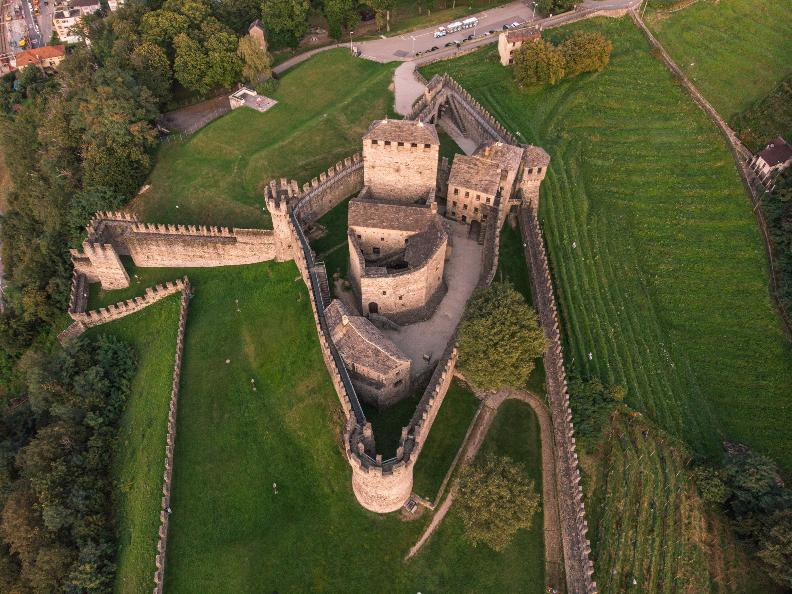 Image 2 - The Castle of Montebello