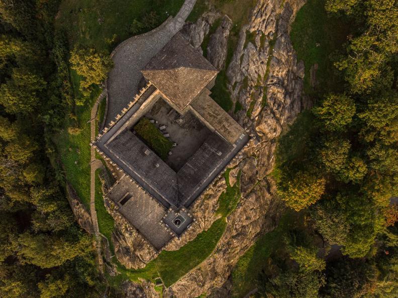Image 3 - Burg Sasso Corbaro