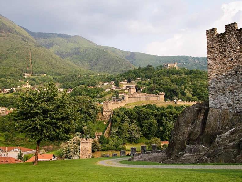 Image 6 - Burg Sasso Corbaro
