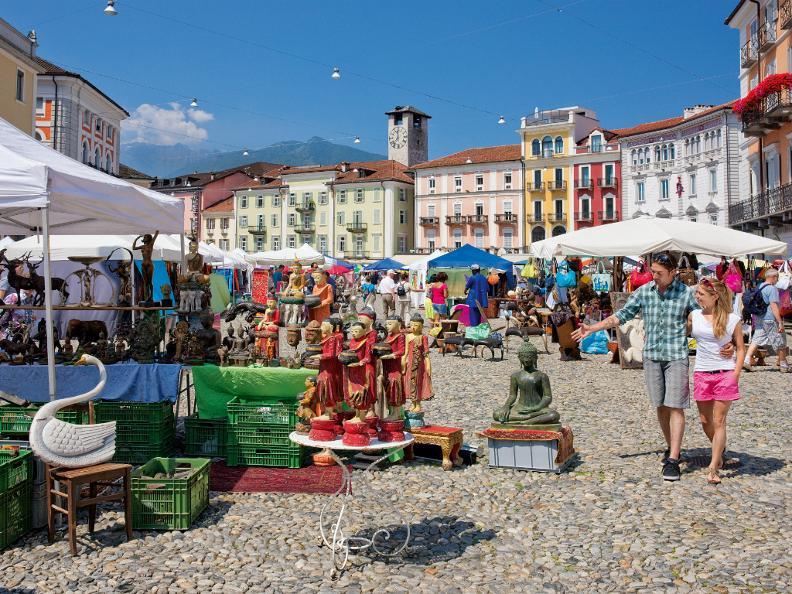 Image 0 - Markt auf der Piazza Grande - Locarno