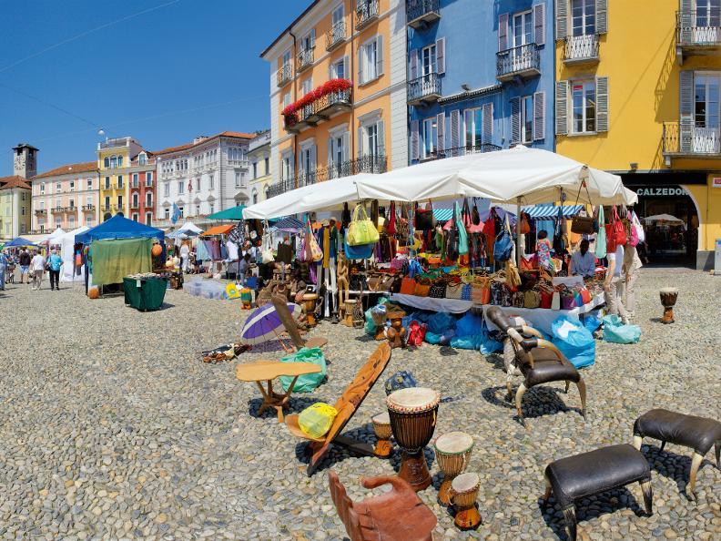 Image 5 - Markt auf der Piazza Grande - Locarno