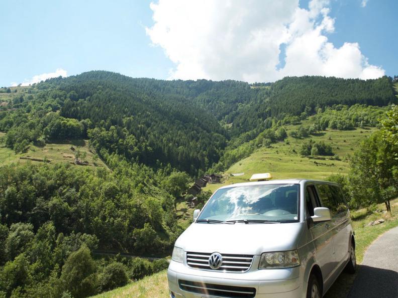 Image 0 - Taxi Riviera & Swiss Transfer Club ((STC))