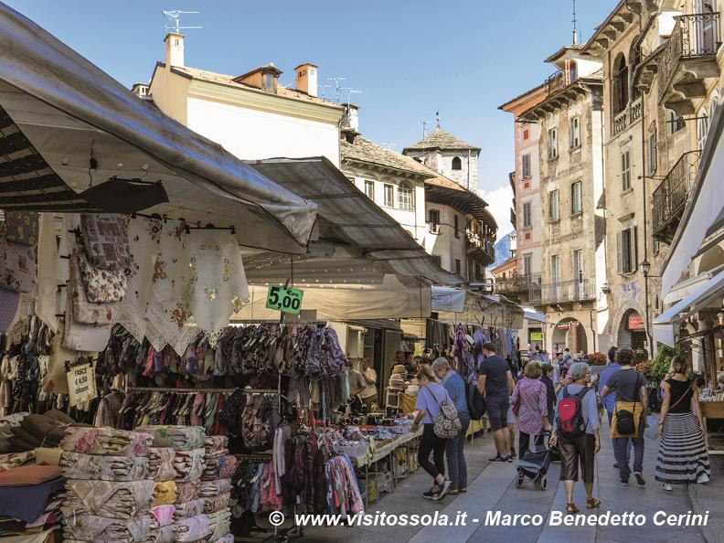 Image 0 - Mercato di Domodossola (Italia)