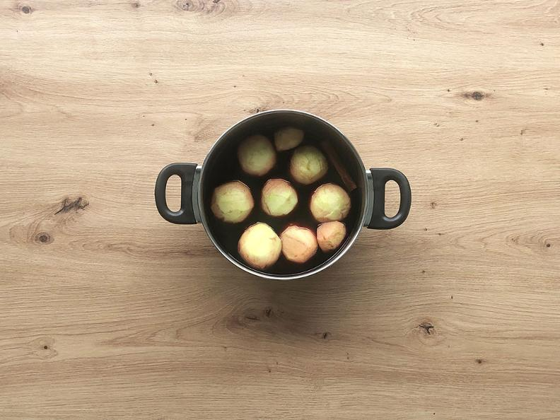 Image 2 - Mele al Merlot - La ricetta