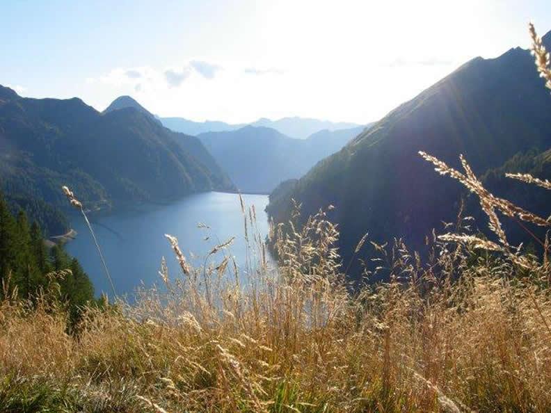 Image 2 - Lacs au pied des Alpes, petits lacs alpins et bassins hydrauliques