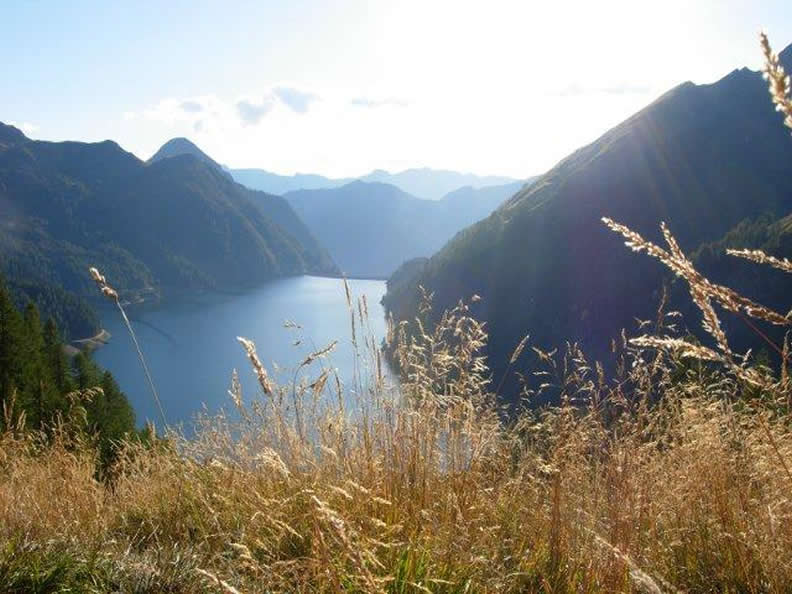 Image 2 - Lakes at the bottom of the alps, alpine lakes and lake basins