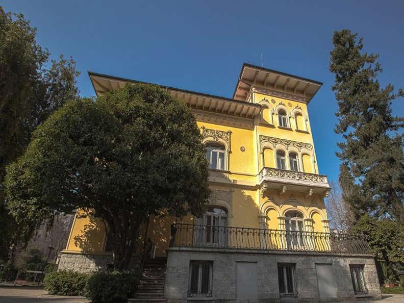 Image 0 - Park of Villa Saroli