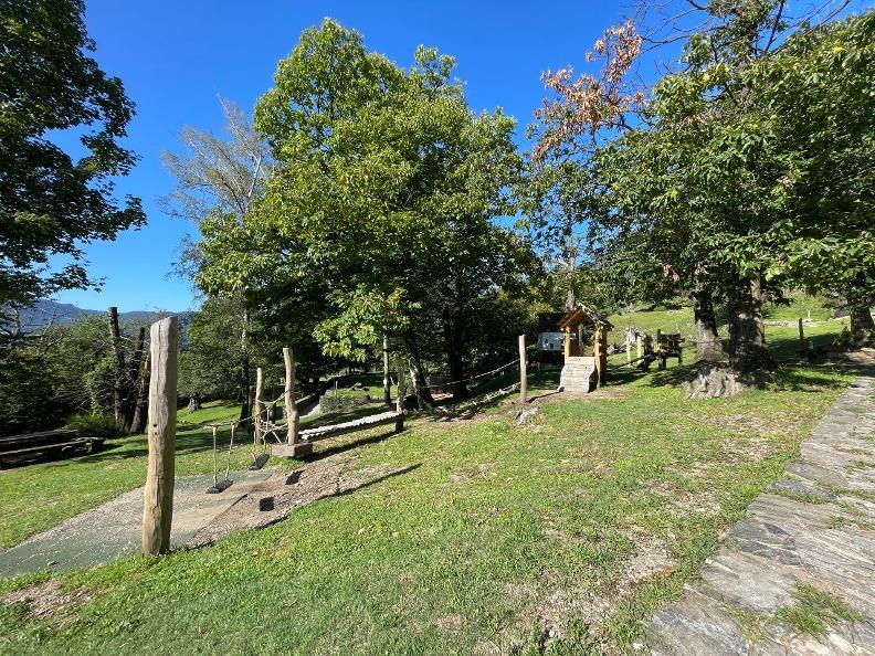 Image 4 - Playground Curzutt