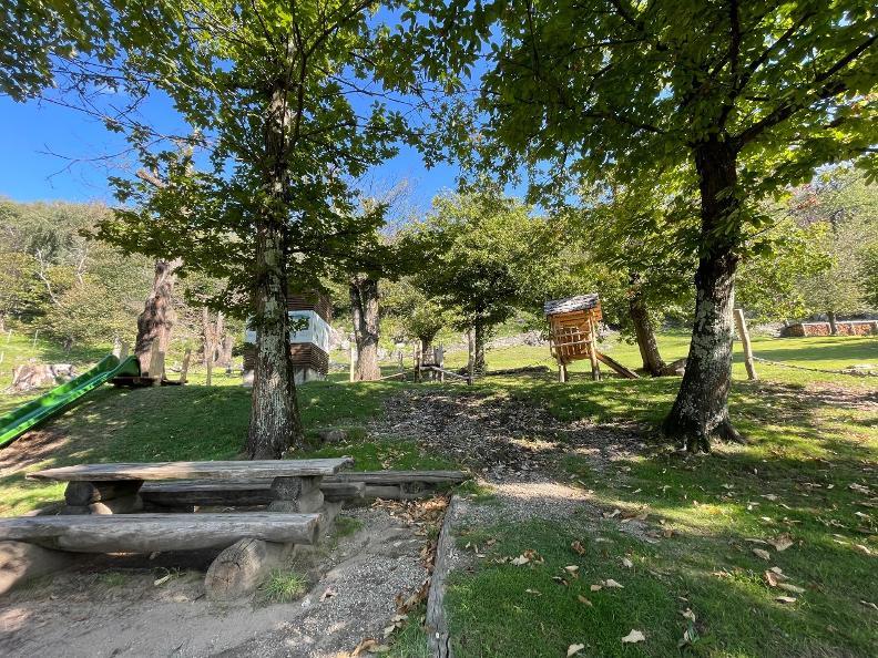 Image 2 - Playground Curzutt