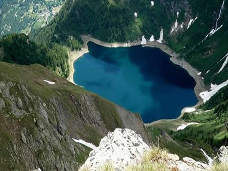 Image 2 - Lakes of Tremorgio and Leìt