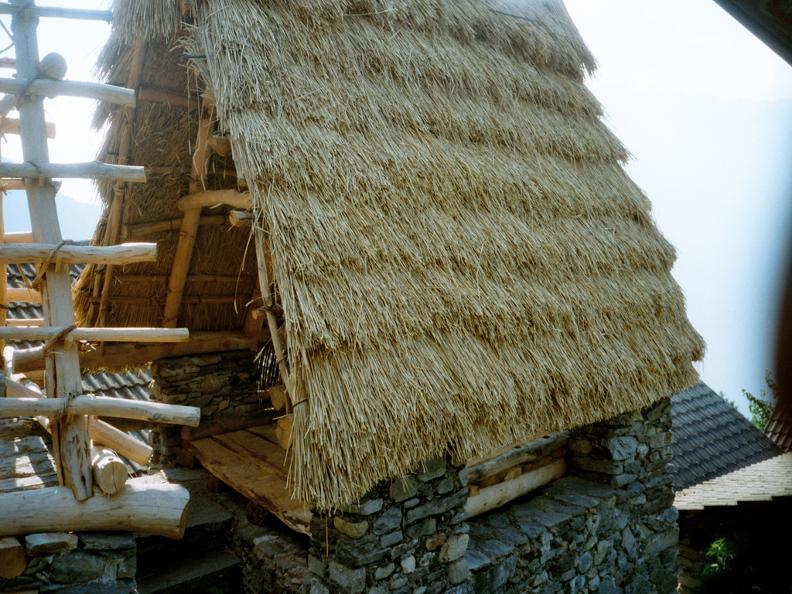 Image 1 - Les toits de paille de Cento Campi