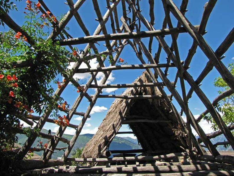 Image 2 - I tetti in paglia ai Cento Campi